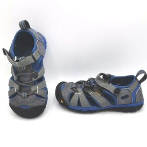 SIZE 11 YOUTH KEEN, WATER SANDALS / SHOES EUC